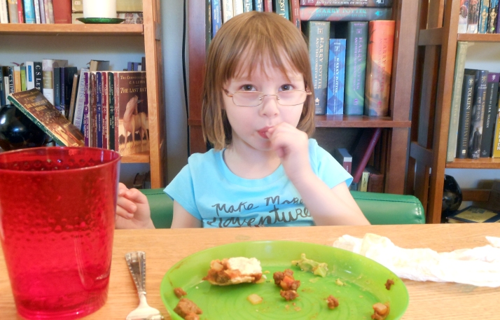 Strategies for Helping Kids Eat Their Dinner Already | HSLDA Blog