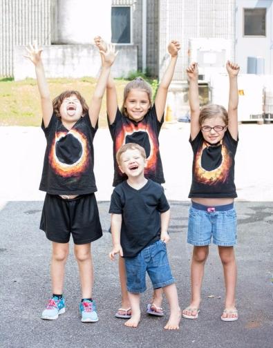 jessica_cole-kids-during-eclipse.jpg