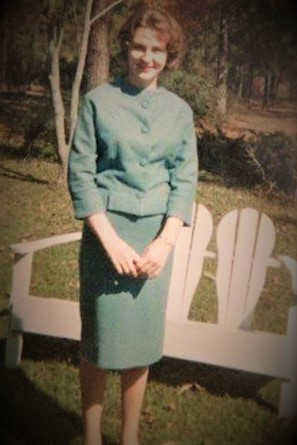 Mom age 20.jpg